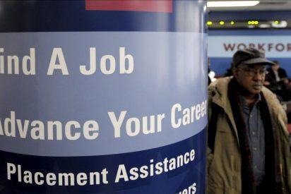 """Obama dice que la economía de EE.UU. """"está bien encaminada"""" tras el descenso del paro"""