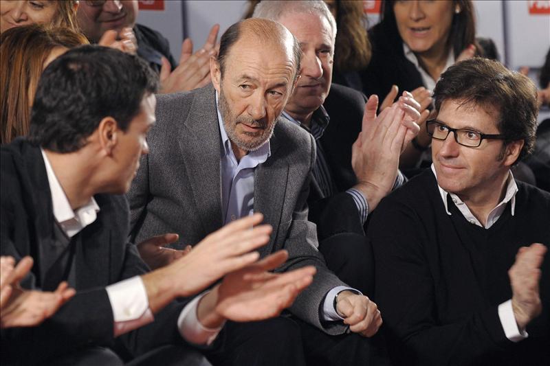 """Patxi López asegura que """"todo el mundo"""" conoce su """"confianza"""" en Rubalcaba para liderar el PSOE"""