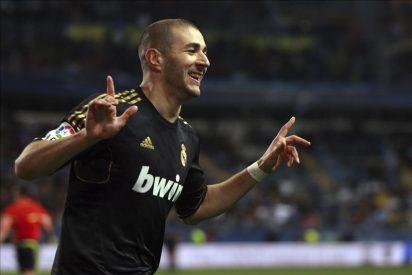 0-1. Un gol de Benzema tras fallo del portero del Málaga mete en cuartos al Real Madrid