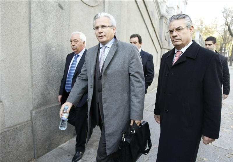 Los defensores de Garzón se movilizan en vísperas de su primer juicio en el Tribunal Supremo