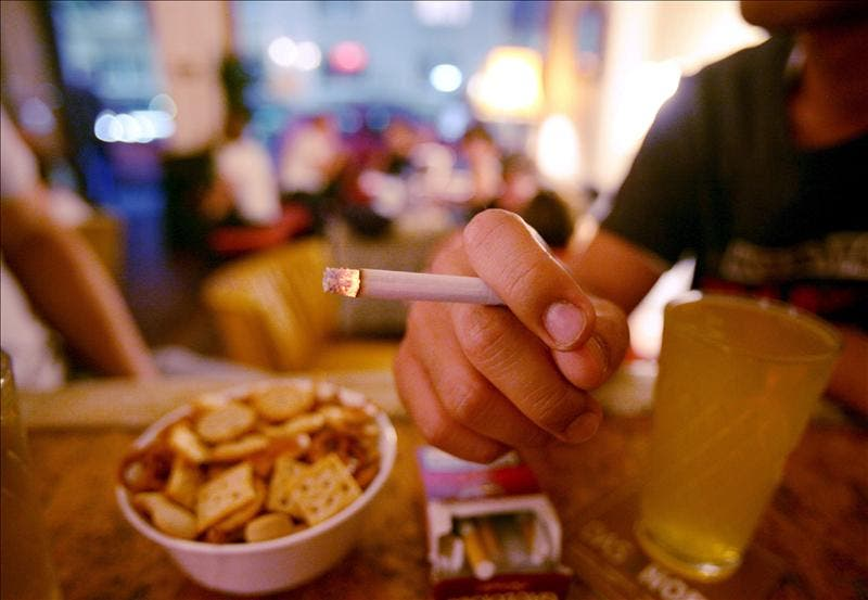 La patronal alemana quiere acabar con las pausas para fumar en el trabajo