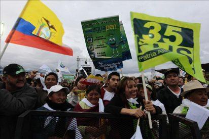 Una multitud celebra junto a Correa sus cinco años en el poder en Ecuador