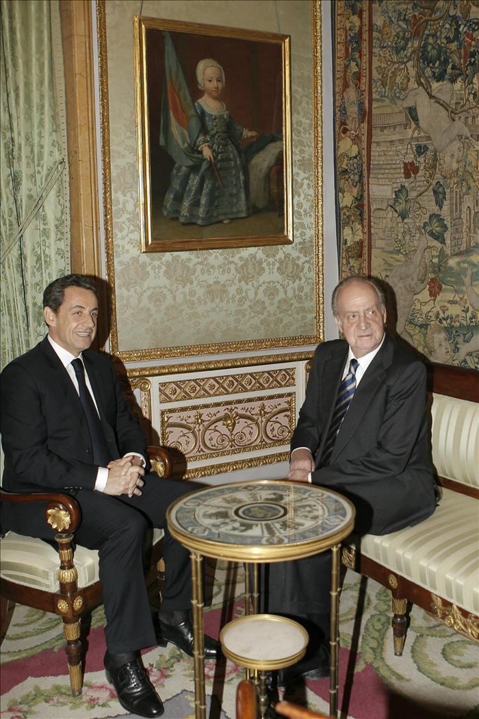 El rey reconoce en Sarkozy la mayor colaboración para poner fin al terrorismo