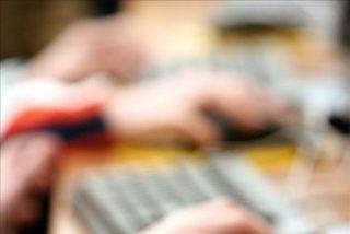 El 30 por ciento de los padres sabe que sus hijos usa su tarjeta para comprar en la red