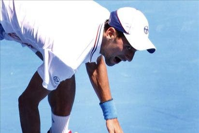 Djokovic aplasta a un Mahut mermado