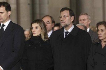 """Los Príncipes presiden la """"despedida última de España"""" a Fraga"""