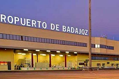 El aeropuerto de Badajoz, compuesto y sin aviones