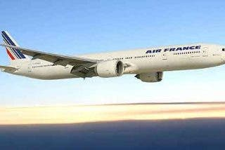 Un avión da media vuelta por un móvil no identificado