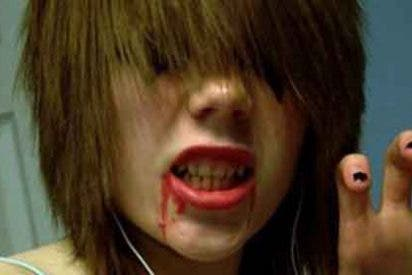 """Una niña de 15 años corta el cuello a su amiga """"para ver qué sentía"""""""