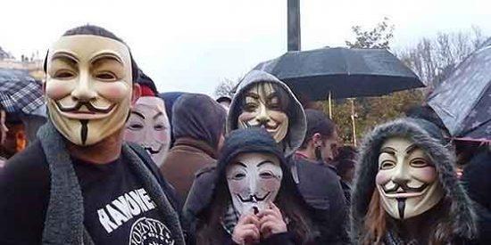 Anonymous publica datos privados del ministro Wert y de la ex ministra Sinde