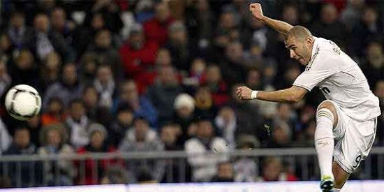 Un feroz Benzema levanta de la lona al Real Madrid en la Copa del Rey