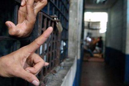 """Casi un millar de familiares de presos venezolanos se """"autosecuestran"""""""