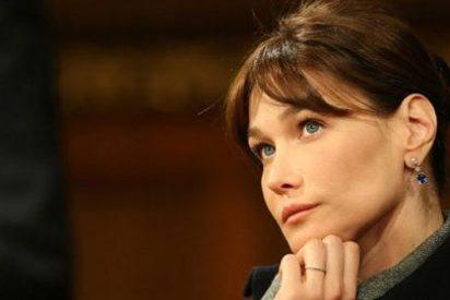 Carla Bruni, acusada de irregularidades financieras en su fundación