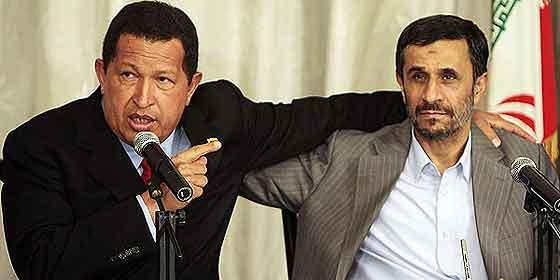 """El 'Gorila' Chávez con su amigo Ahmanideyad: """"Atacaremos Washington"""""""