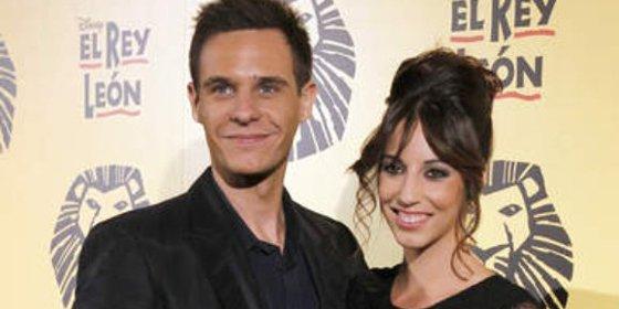 Christian Gálvez fotografiado junto a una joven actriz de 20 años