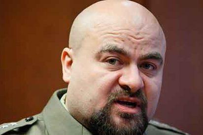 El fiscal militar se pega un tiro en la cabeza en plena rueda de prensa
