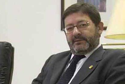 El director general de Trabajo andaluz despachaba en el bar
