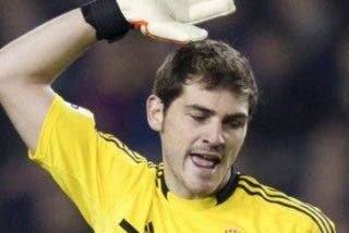 """Iker Casillas, al árbitro: """"Teixeira, ahora te irás de fiesta con el Barça"""""""