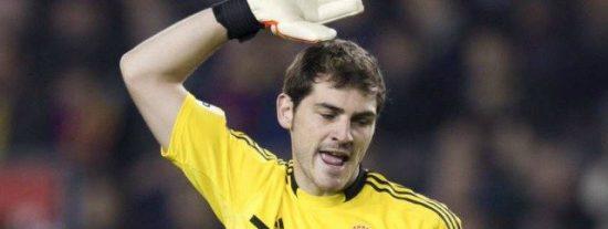 Iker Casillas, al árbitro: