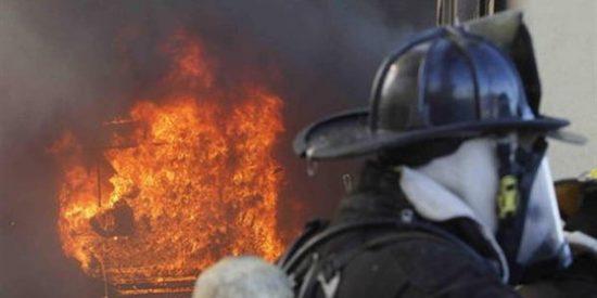 Un incendio afecta a dos pubs y varios vecinos de la Rúa Nova (Lugo)