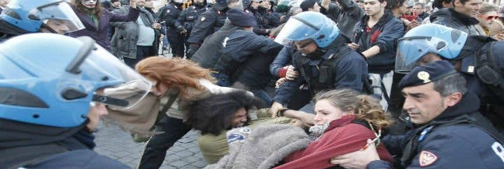 Protesta de indignados en plaza de San Pedro del Vaticano