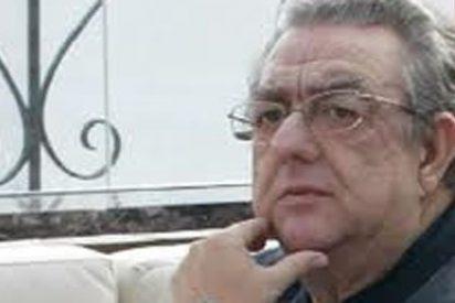 José Mª Izquierdo (Prisa) se mete con unas palabras de Santiago González, obviando que eran una cita de El País