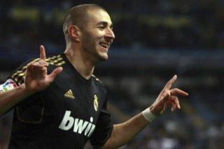 Benzema, en estado de gracia, da la victoria al Madrid en un fallo garrafal del meta malaguista
