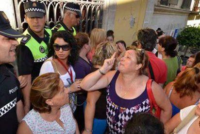 La actual alcaldesa de Jerez, del PP, acusa a la anterior, del PSOE, de desviar fondos para la dependencia