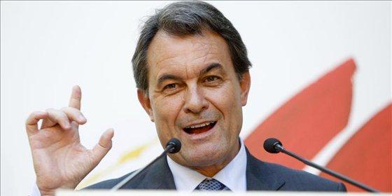 """Mas: """"Otro año de ajustes para que Cataluña no sea intervenida"""""""