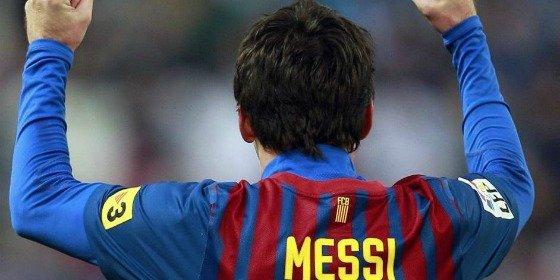 Un Lionel Messi imperial acaba con el Málaga a golpe de hat-trick (1-4)