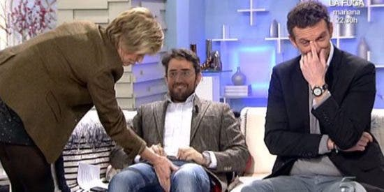 Mercedes Milá, desatada: Muestra a su nuevo novio y les toca el 'paquete' a Máxim Huerta y a Joaquín Prat en directo