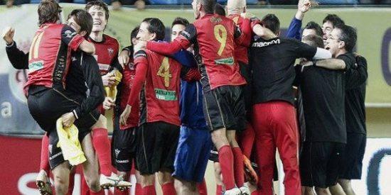 El modesto Mirandés se cuela en cuartos de final tras superar al Racing (1-1)