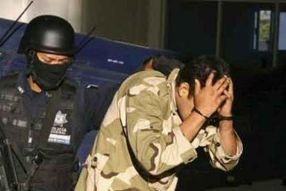El Ejército mexicano 'trinca' a 106 policías corruptos en Monterrey