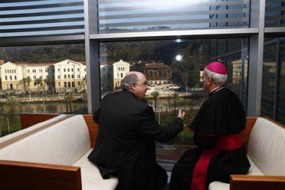 El Nuncio visita Deusto
