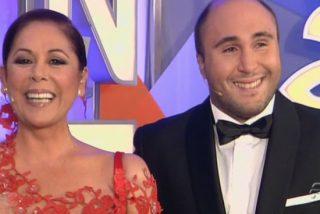 """Carmen Rigalt: """"Cargamos contra La Noria pero aceptamos que Telecinco le pague un pastón a la presunta choriza que dio las campanadas de Nochevieja"""""""