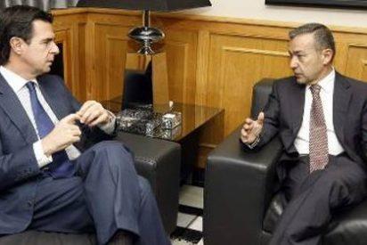 Soria incide en la necesidad de introducir el gas en Canarias