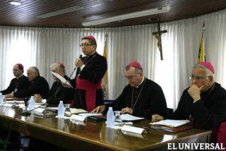 """Los obispos venezolanos piden a Chávez que abandone """"fórmulas totalitarias"""""""
