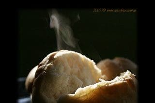 Miga de pan. La humildad ante el Misterio