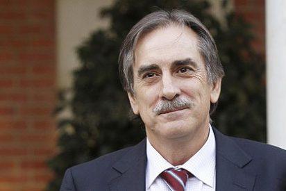 El ex ministro Gómez repartió 150 millones a sindicatos y patronales 9 días antes de dejar Trabajo