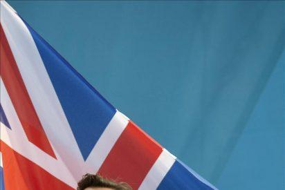Gran Bretaña aceptará sólo a inmigrantes con una renta de 37.000 € al año