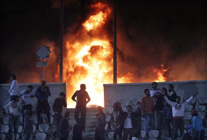 La Junta Militar declara 3 días de luto por la mayor tragedia del fútbol egipcio