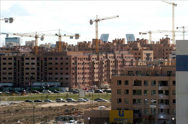 Los consumidores creen que la reforma financiera no basta para estimular la compra de pisos