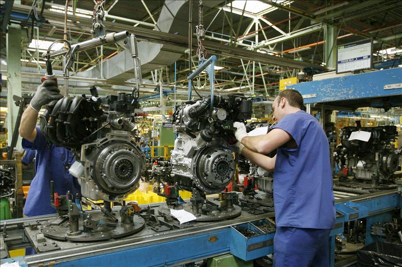 La producción industrial bajó el 1,8 por ciento en 2011 respecto a 2010