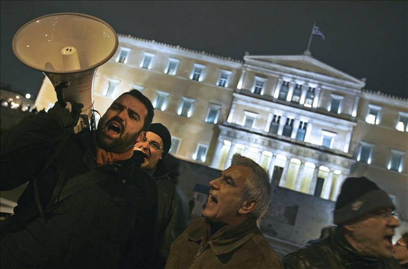 Grecia se paraliza por una huelga general contra el acuerdo con la troika