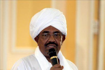 """Al Bashir considera la crisis petrolera """"un suicidio"""" para Sudán del Sur"""