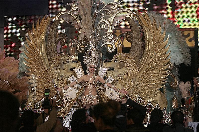 Carmen Gil, reina del carnaval de Santa Cruz de Tenerife