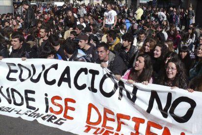 Protestas de alumnos en 25 localidades contra los recortes