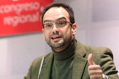 """Antonio Hernando: """"no hay derecho que la Iglesia católica siga teniendo un privilegio jurídico y económico"""""""