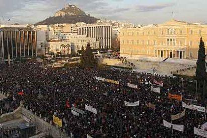 Grecia acuerda un recorte adicional de 325 millones