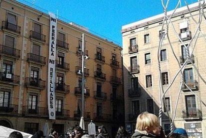Barcelona se gasta 705.000 € en una escultura a los 'castellers'